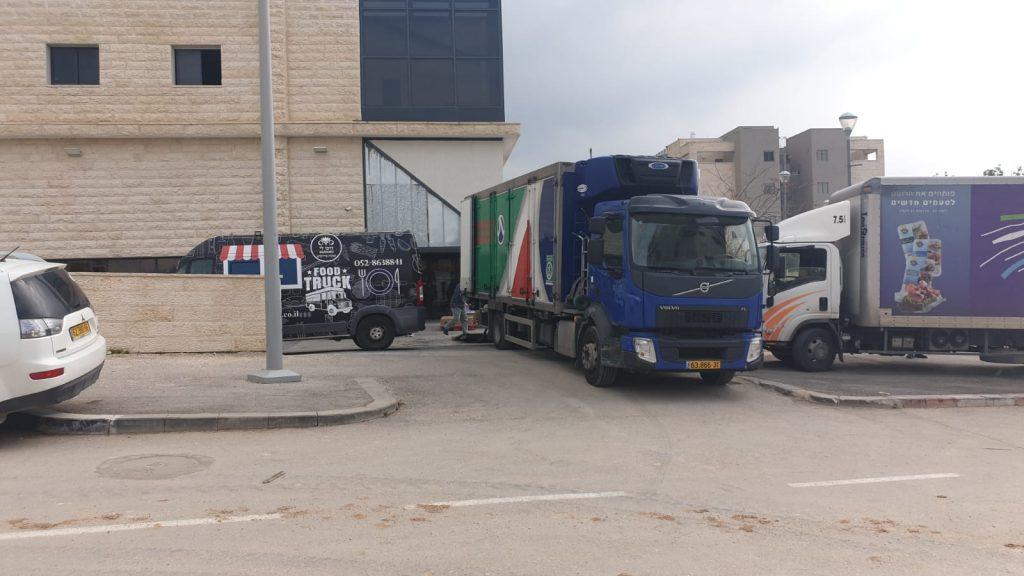 מעיין 2000 משאיות