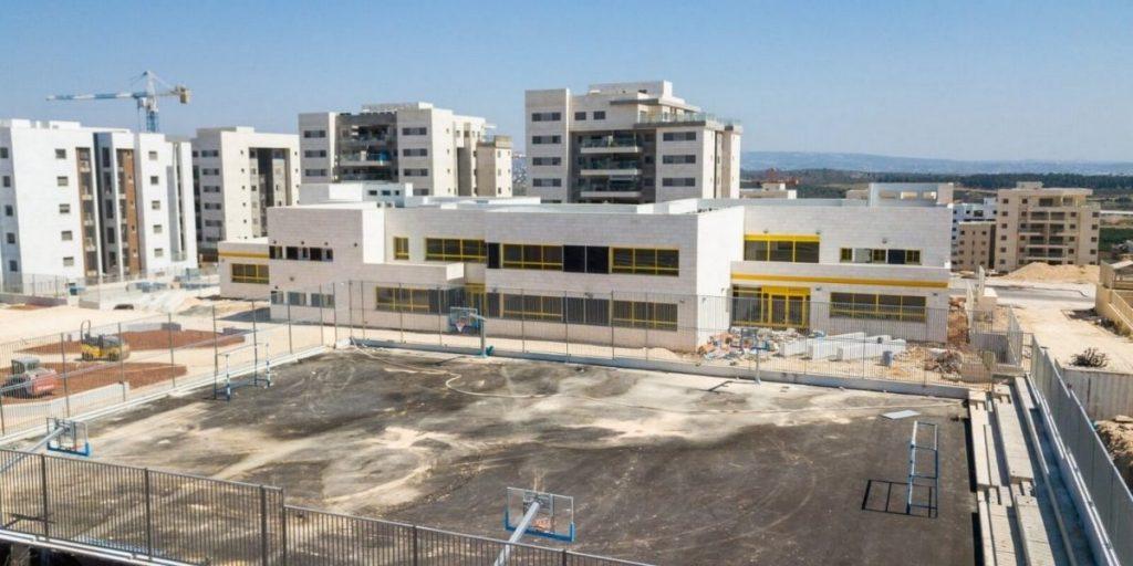בית הספר הממלכתי החדש בשכונת הפרחים צילום דוברות עיריית חריש