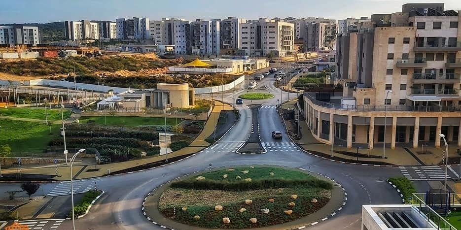 דרך ארץ אבני חן כיכר צילום: איציק לב