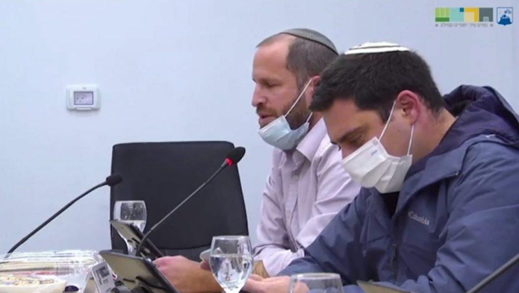 משמאל: שלמה קליין ויוסי גולדמן הצבעה על חוק השבת