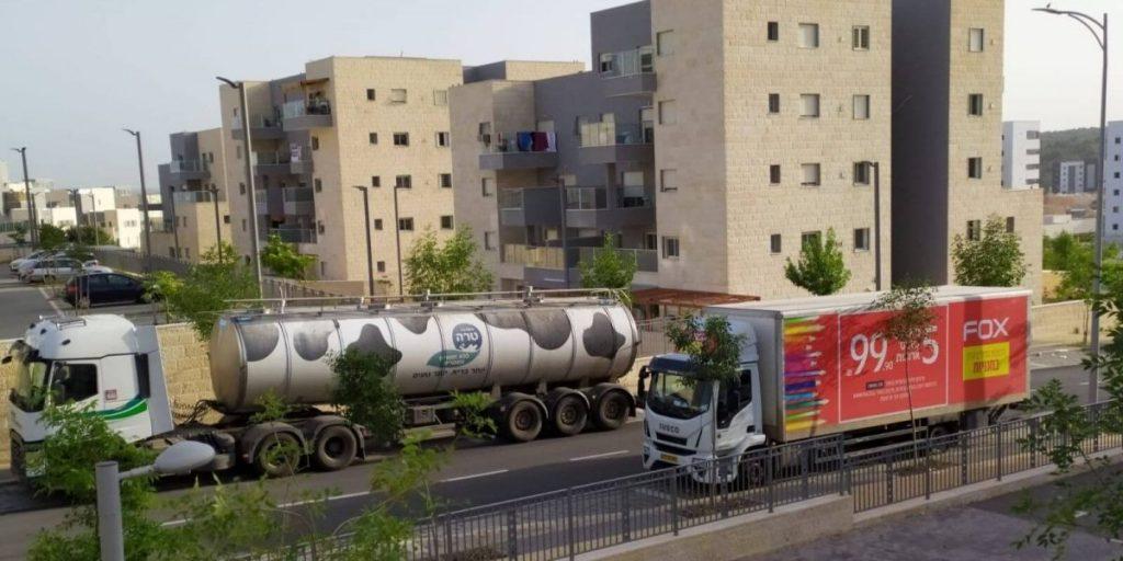 משאיות חנייה חנייה ניבה בן שבת