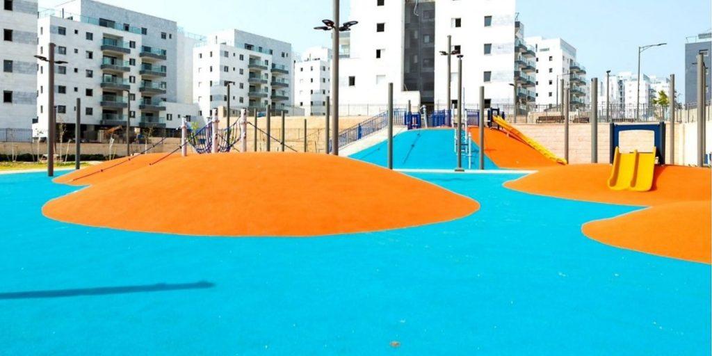פארק הגבעות רחוב רעות שכונת בצוותא גינת משחקים גן משחקים צילום: דוברות עיריית חריש