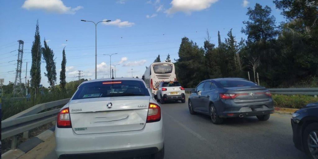 פקק תנועה עומס תנועה כביש 6353 כביש כניסה יציאה מחריש