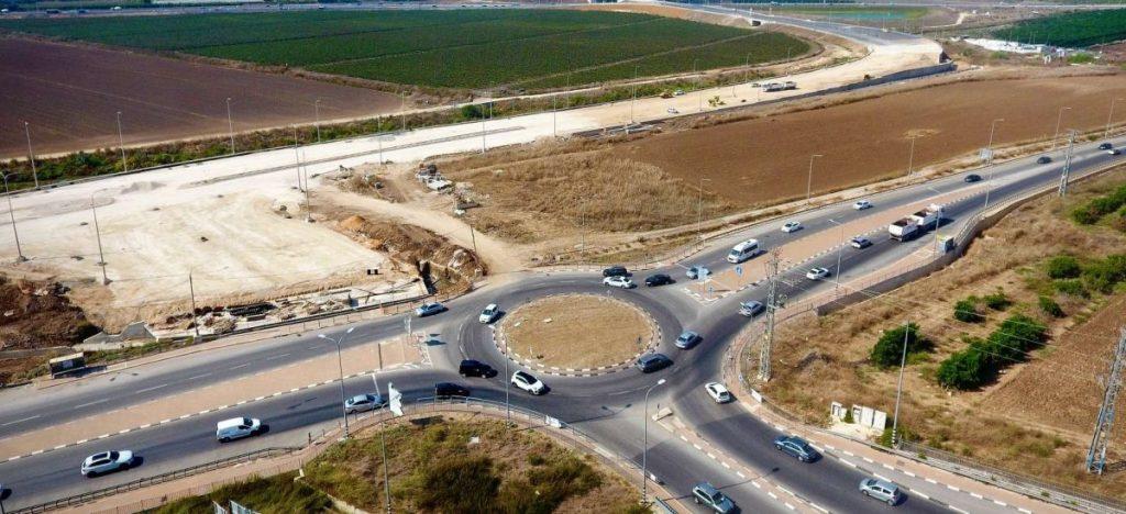 """צומת חריש כיכר מג""""ב צילום: עמוס לוזון צלמים"""